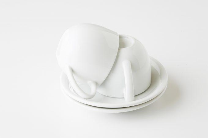 食器のシンプル化! 白に統一すると、料理が引き立つよ