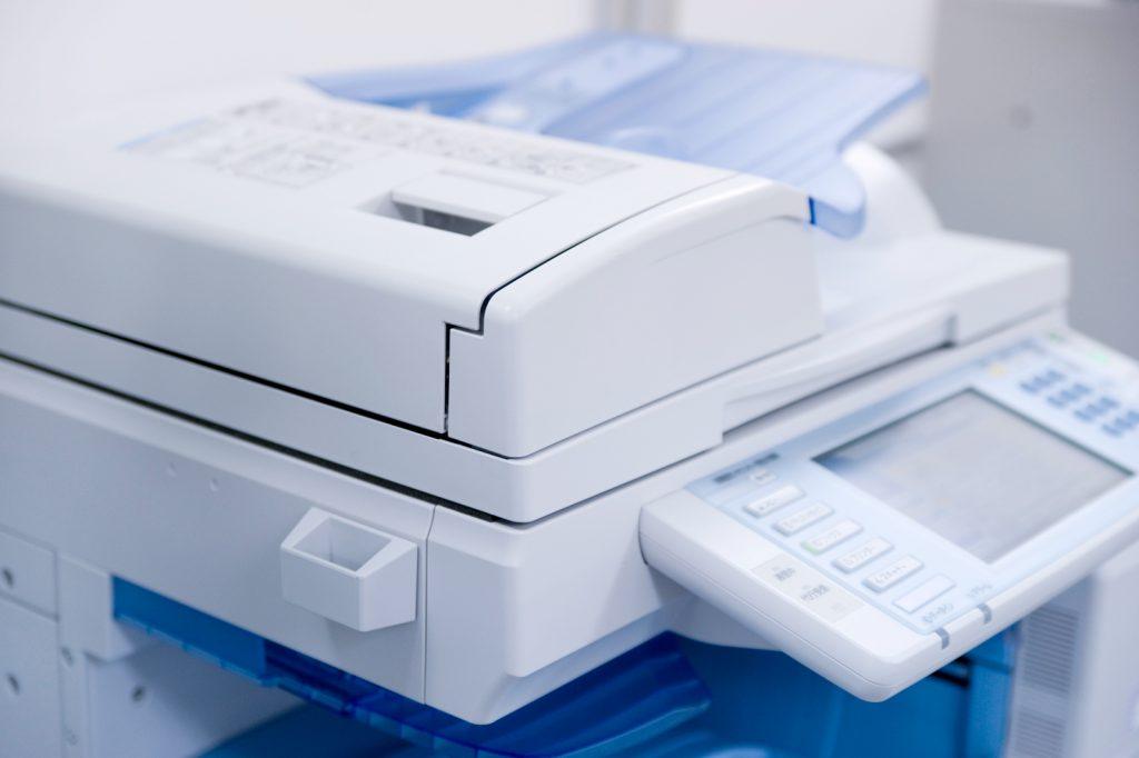 コンビニのコピー機。USBにデータを入れられる